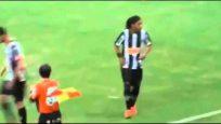Ronaldinho'nun efsane gol sevinci!